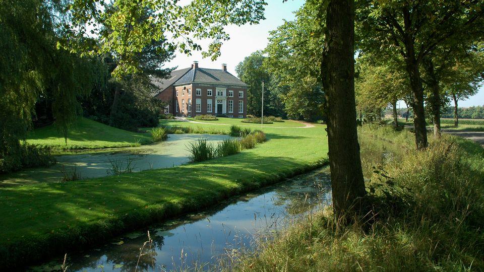 oldambster-boerderij-goldhoorn-met-slingertuin